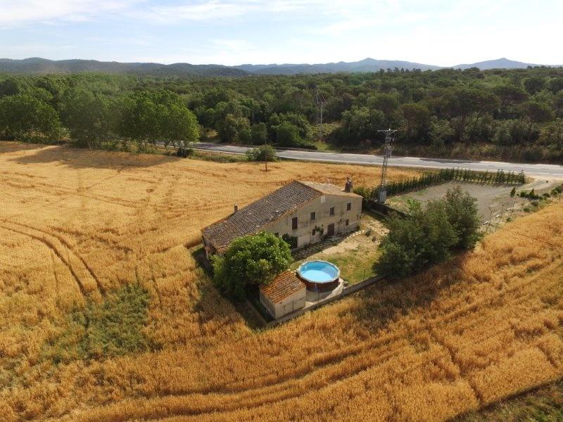 Casa rural vallada de 5 habitacions a Cassà de la Selva, Girona-Costa Brava